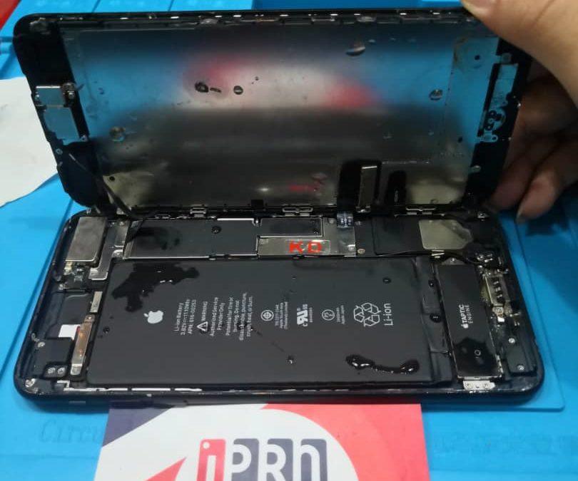 iPhone 7 Plus Water Damage at iPro KL
